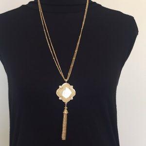 """Beautiful 18"""" Necklace W/ Matching Dangle Earrings"""